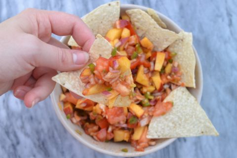 Sweet & Spicy Peach Jalapeño Salsa!